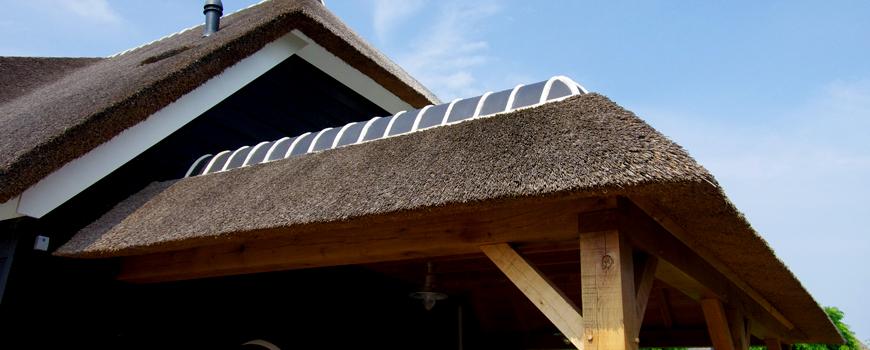 Rietdekker & Timmerman A.J. Vink realiseert rietgedekte hooimijten, priëlen en veranda's